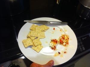 Ce que l'on fait avec de la confiture de piments forts : la verser sur du fromage à la crème et servir avec biscottes